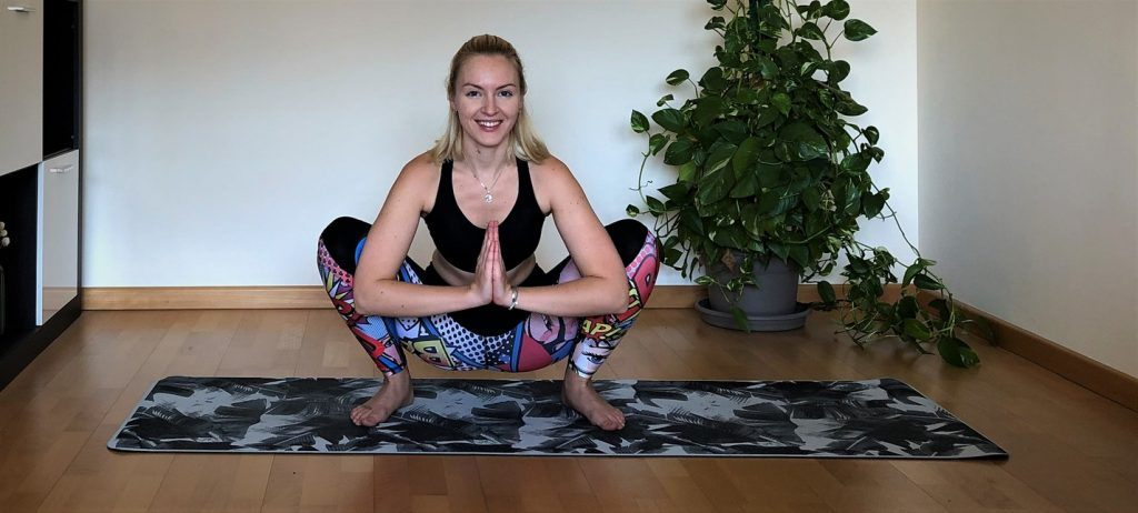 Malasana: postura apertura de caderas yoga