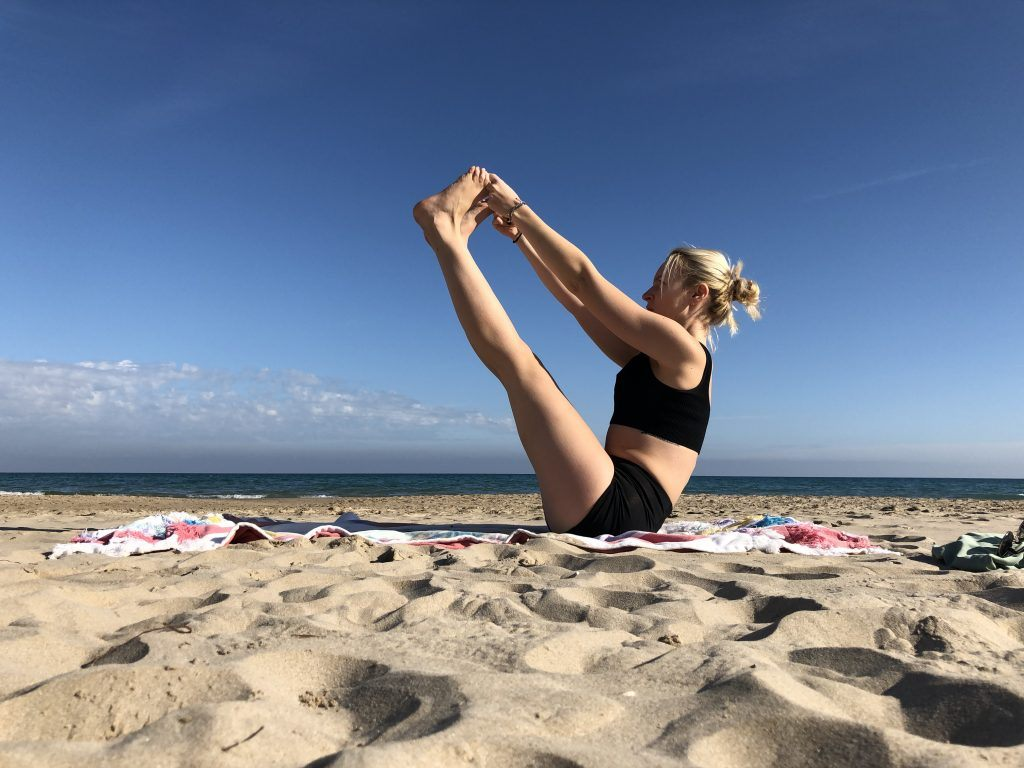 Ubhaya Padangustasana: yoga estiramiento isquiotibiales