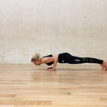 Ejercicios de yoga para tonificar y fortalecer brazos