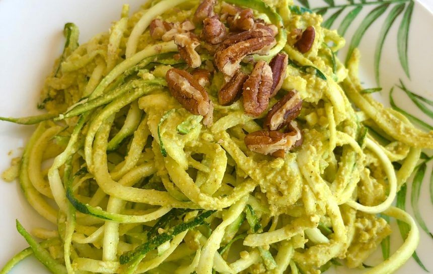 Spaghetti de calabacín con salsa de curry