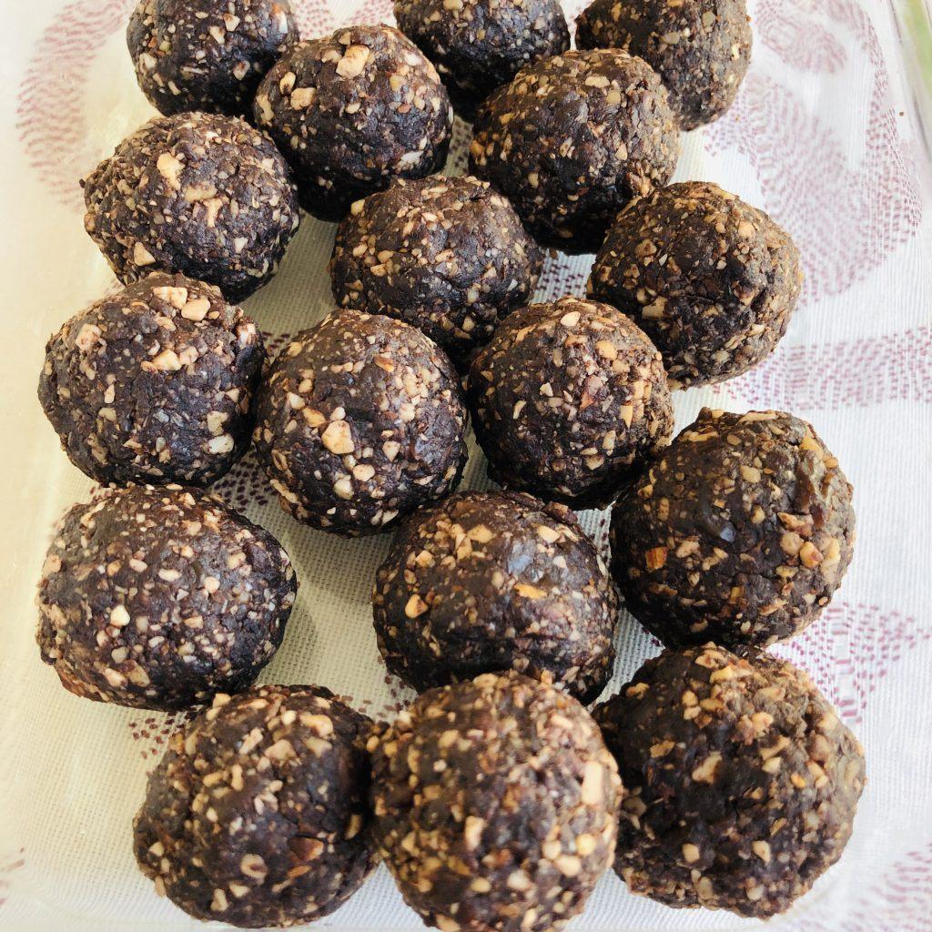 Trufas veganas de cacao y frutos secos
