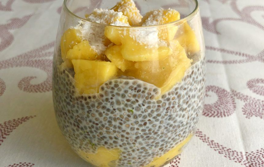 Pudin de semillas de chía con mango